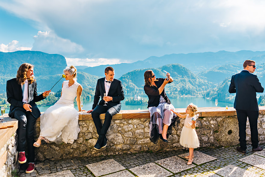so-much-going-on-slovenian-wedding-photographer-lake-bled-castle-slovenia-samo-rovan